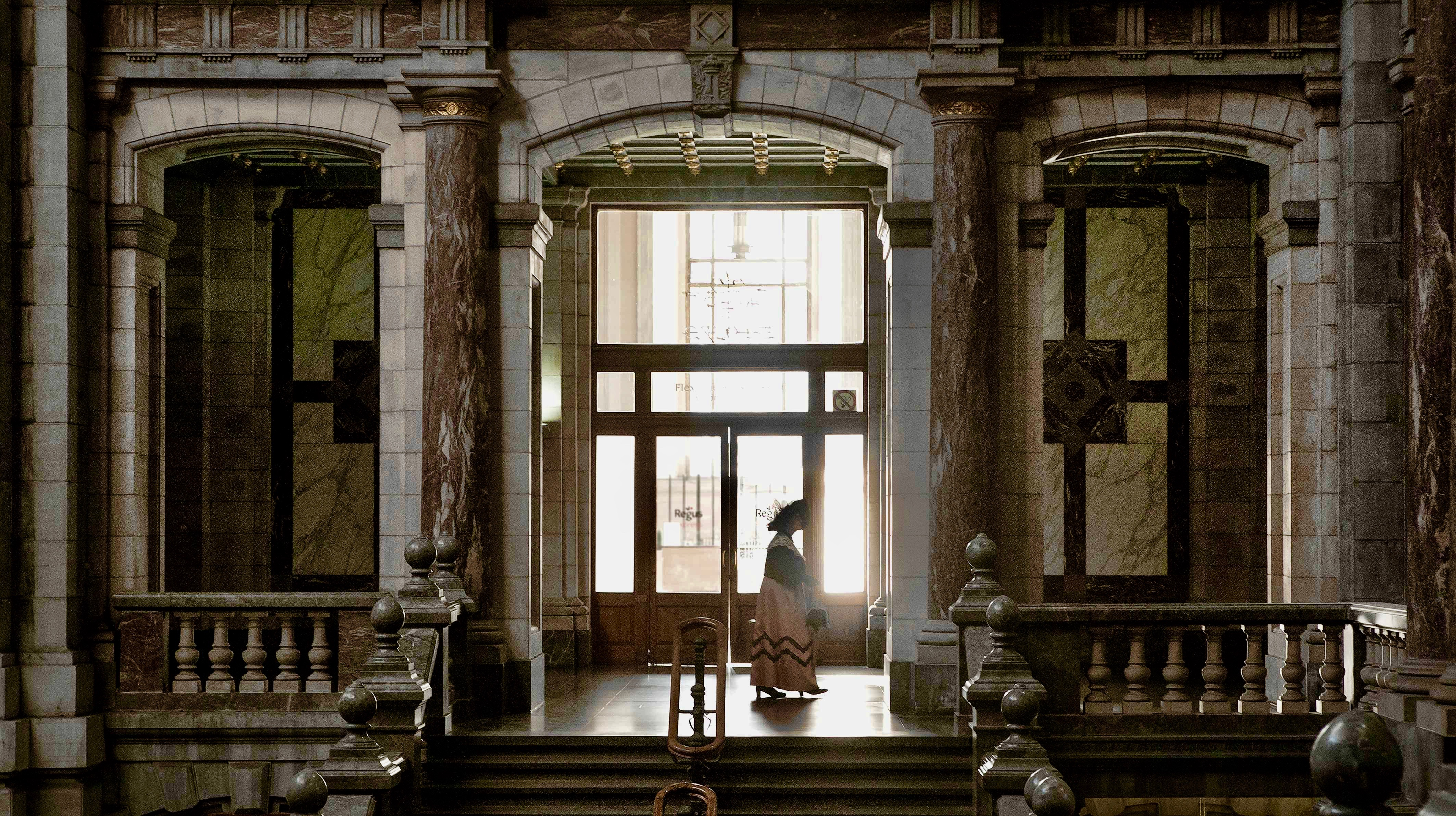 Jeremy JP Fekete / Cathedrals of steam - Europes first Railway stations